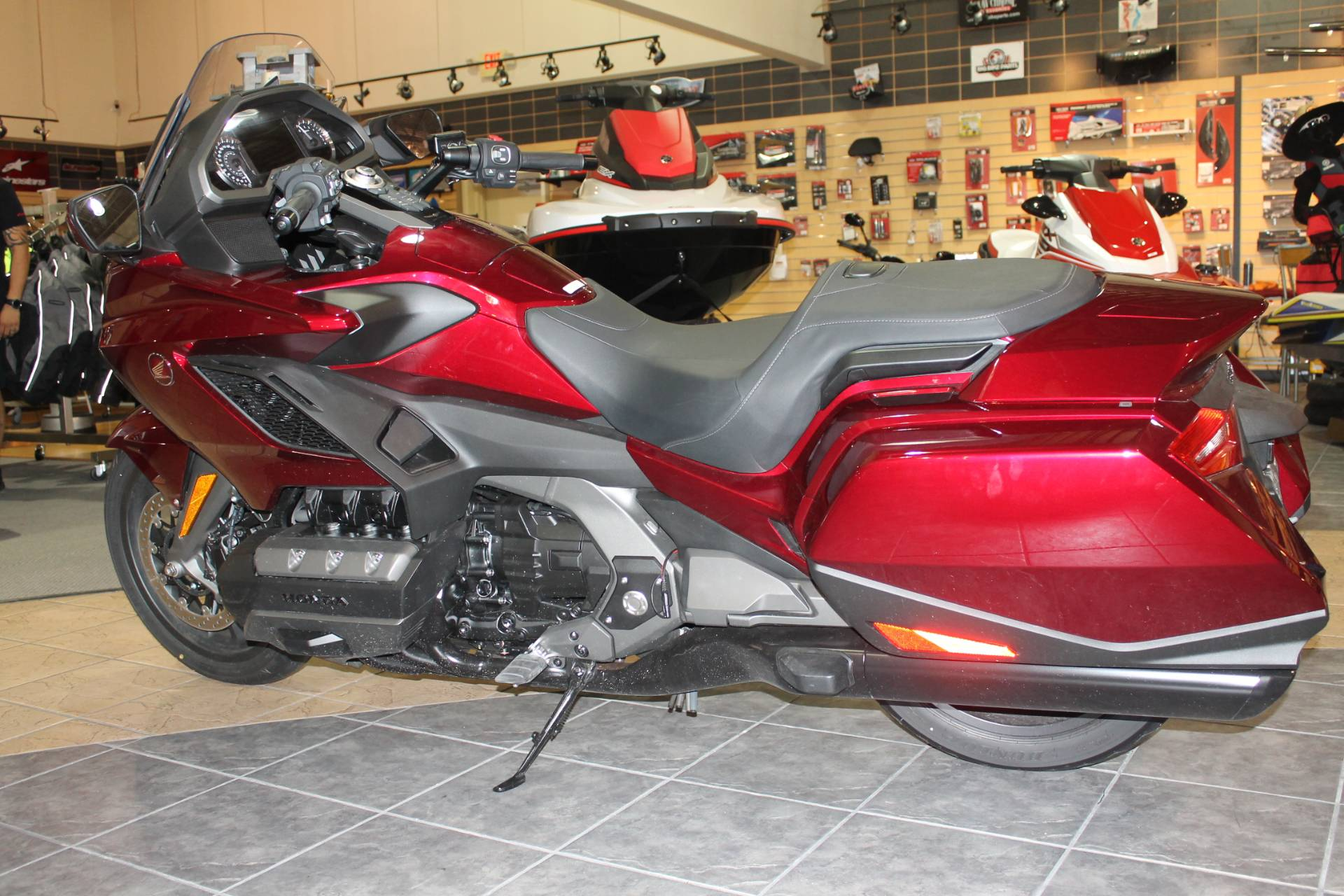 2018 Honda Gold Wing DCT in Allen, Texas - Photo 2