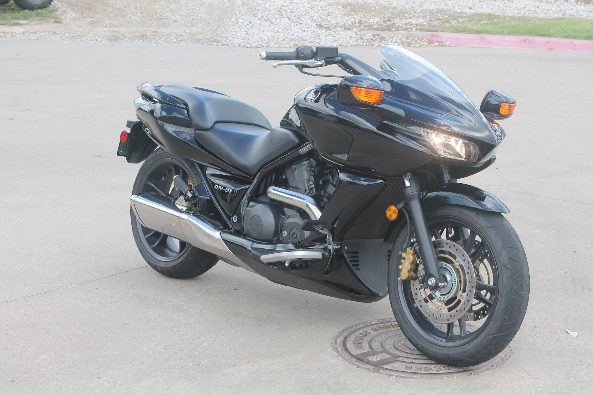 2009 Honda DN-O1 in Allen, Texas - Photo 2