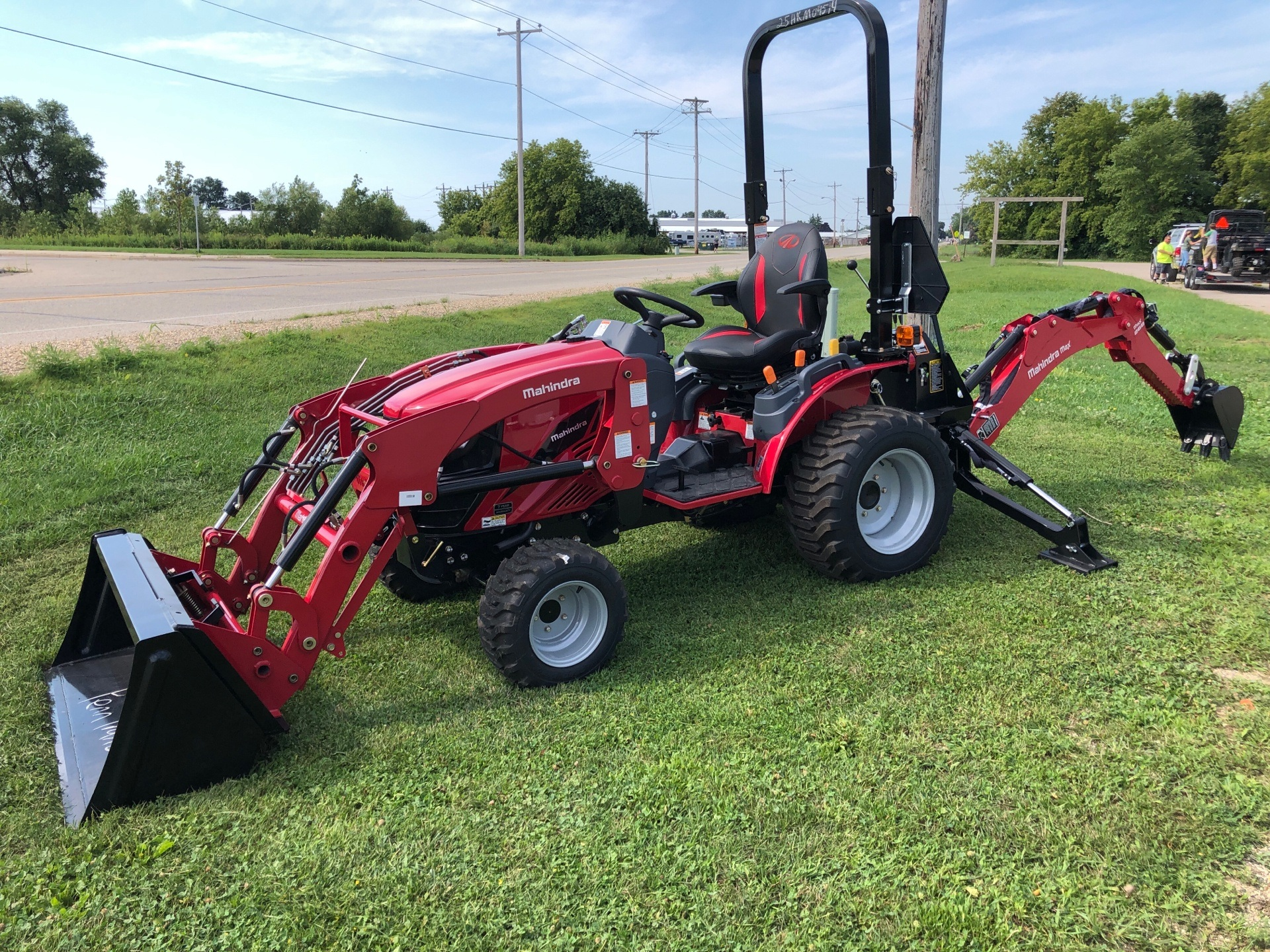 2020 Mahindra EMax25L EXL254FHILB in Elkhorn, Wisconsin - Photo 3