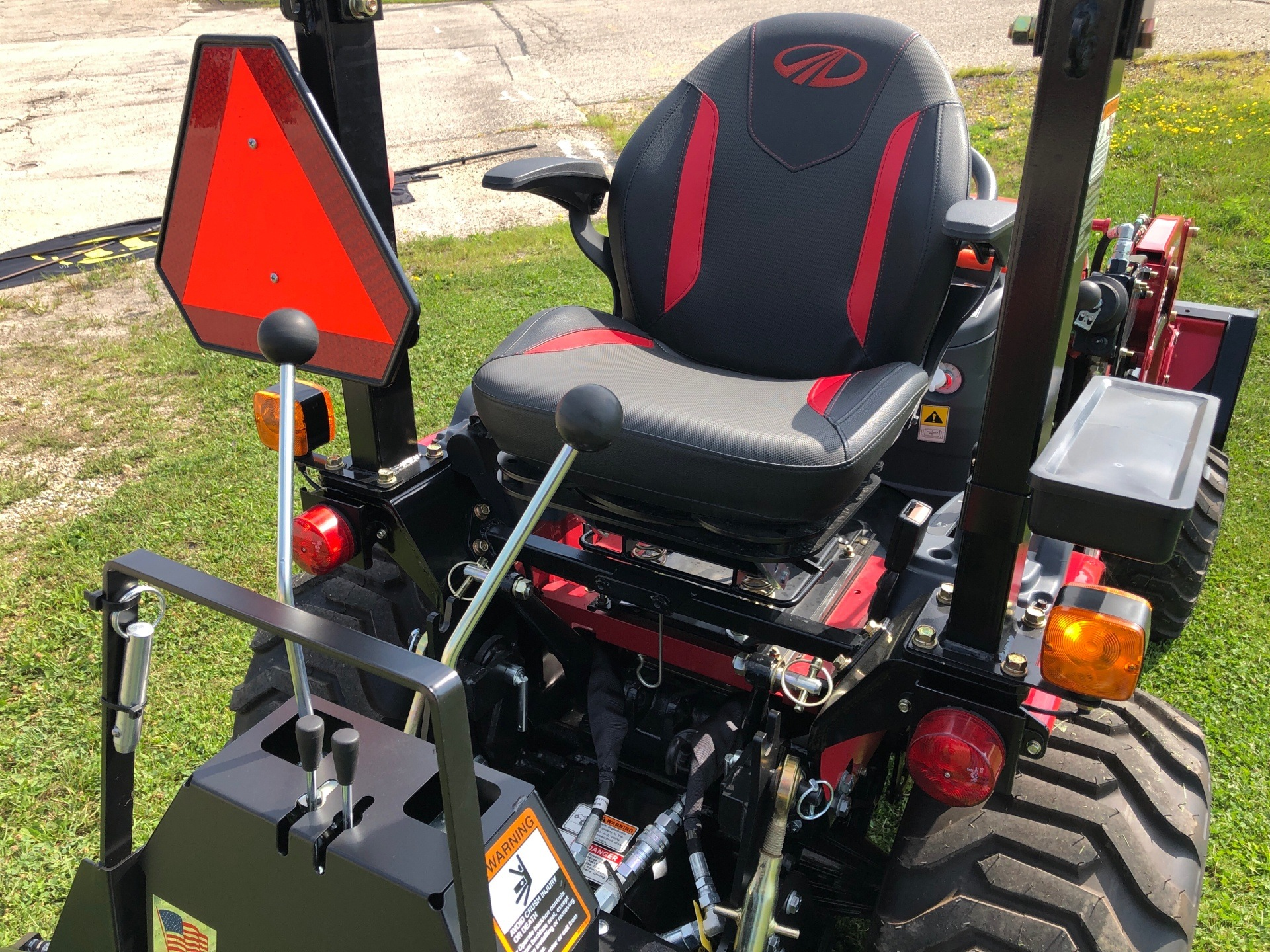 2020 Mahindra EMax25L EXL254FHILB in Elkhorn, Wisconsin - Photo 7