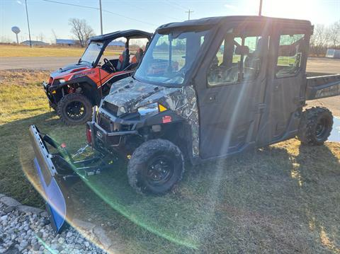 2018 Polaris Ranger Crew XP 900 EPS in Elkhorn, Wisconsin - Photo 2
