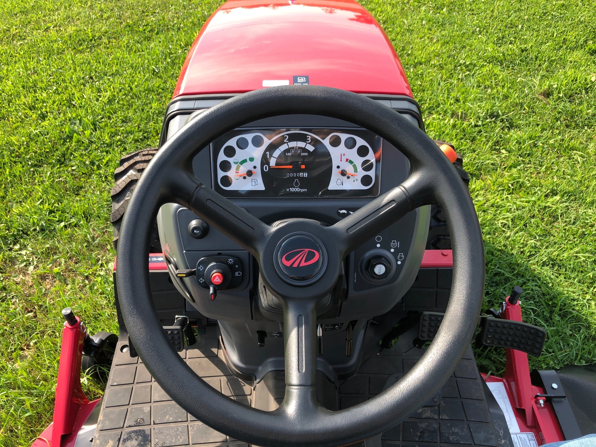 2020 Mahindra MAX26-  MX26XLTHIM in Elkhorn, Wisconsin - Photo 6