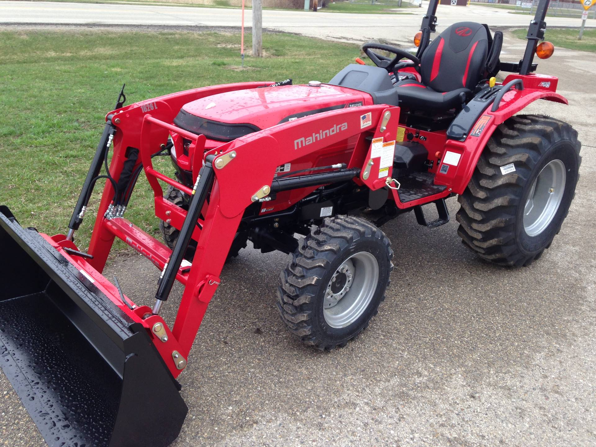 2019 Mahindra 1626 HST OS in Elkhorn, Wisconsin