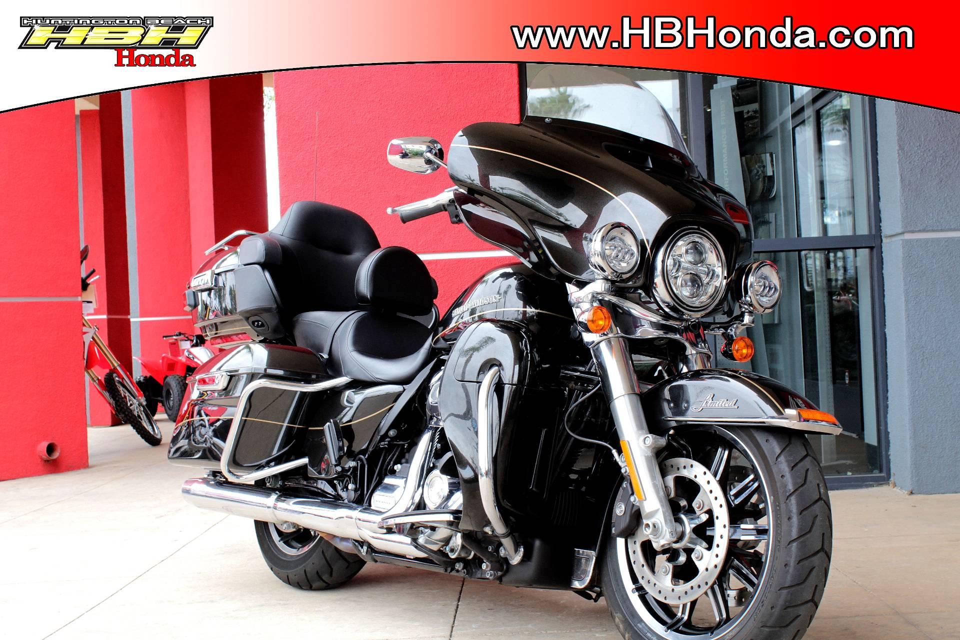 2017 Harley Davidson Ultra Limited Low In Huntington Beach California Photo 1