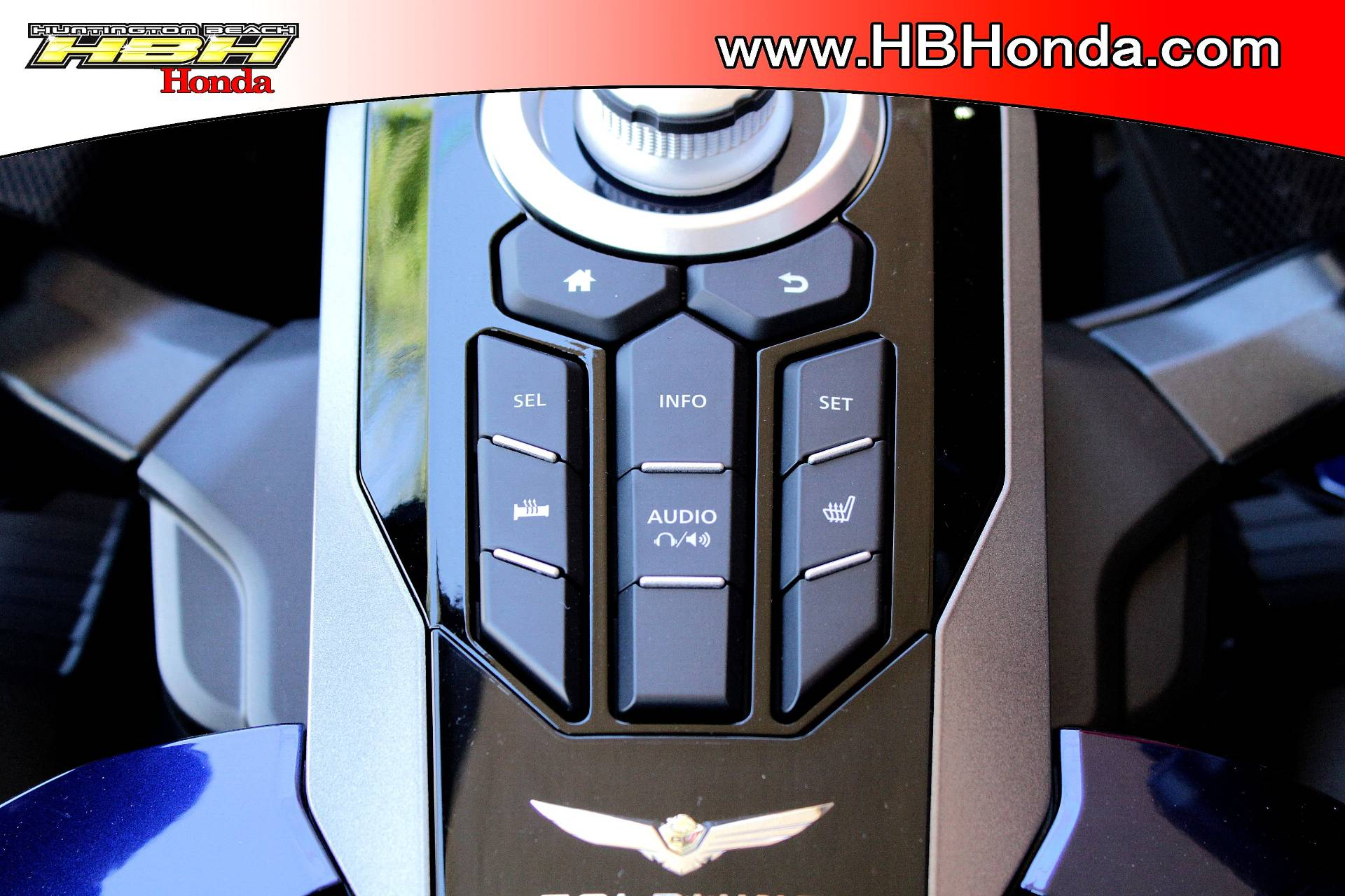 2018 Honda Gold Wing Tour Automatic DCT in Huntington Beach, California - Photo 14
