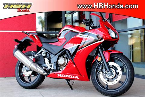 2017 Honda CBR300R in Huntington Beach, California