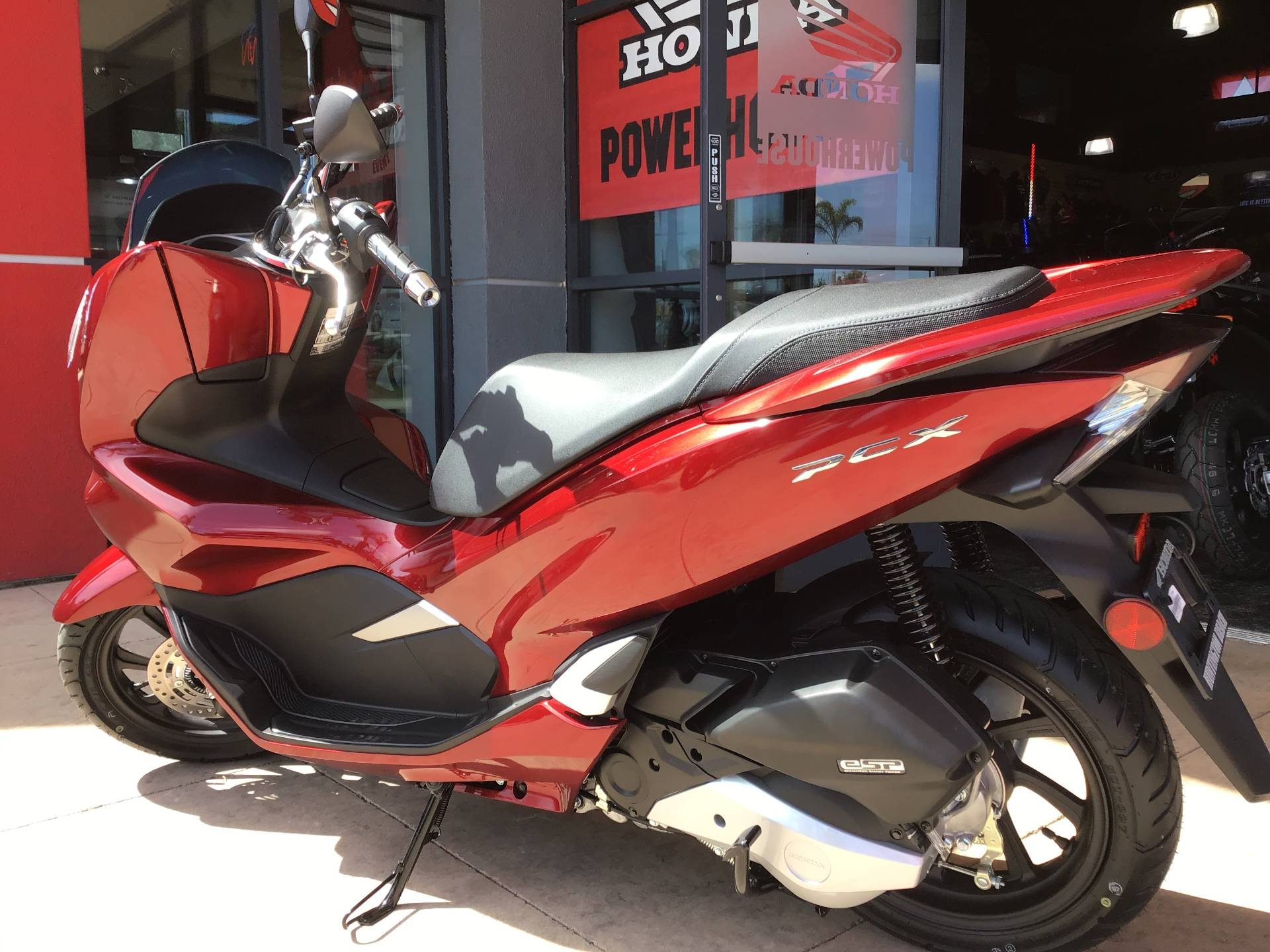 2020 Honda PCX150 in Huntington Beach, California - Photo 4