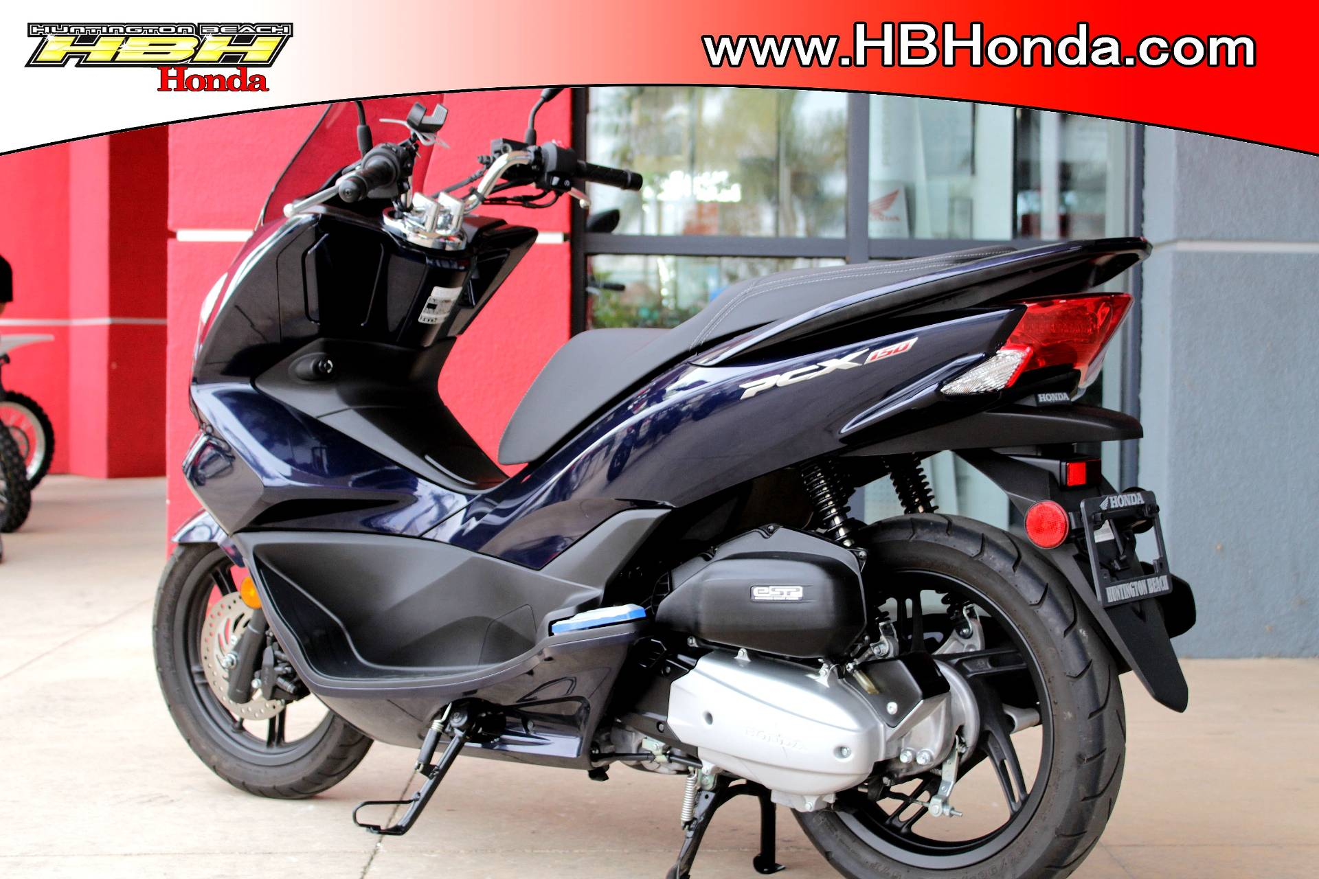2017 Honda PCX150 in Huntington Beach, California - Photo 6