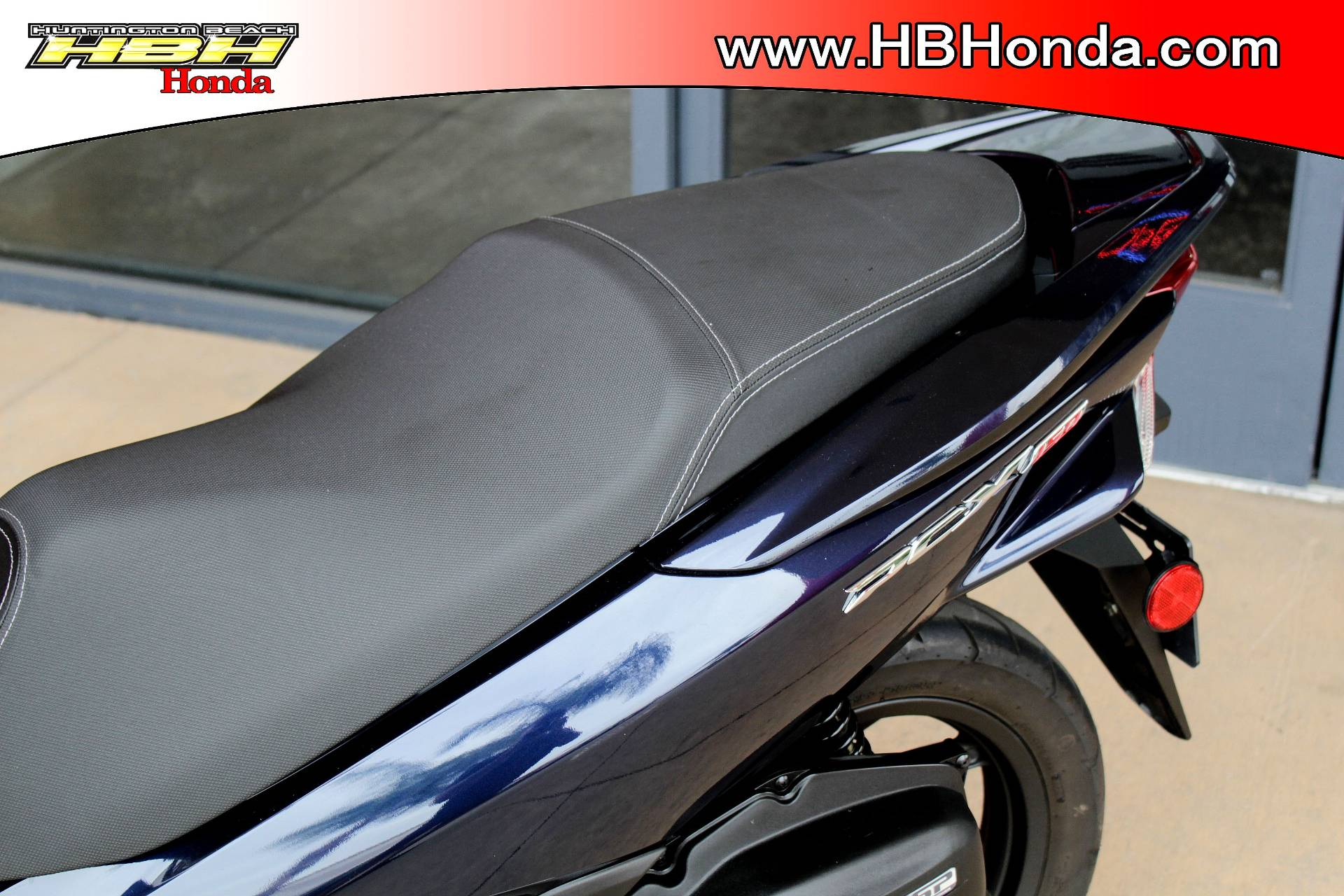 2017 Honda PCX150 in Huntington Beach, California - Photo 8