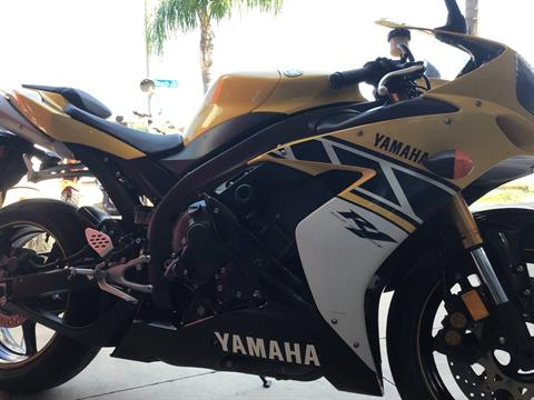 2006 Yamaha YZF-R1 in Huntington Beach, California - Photo 3