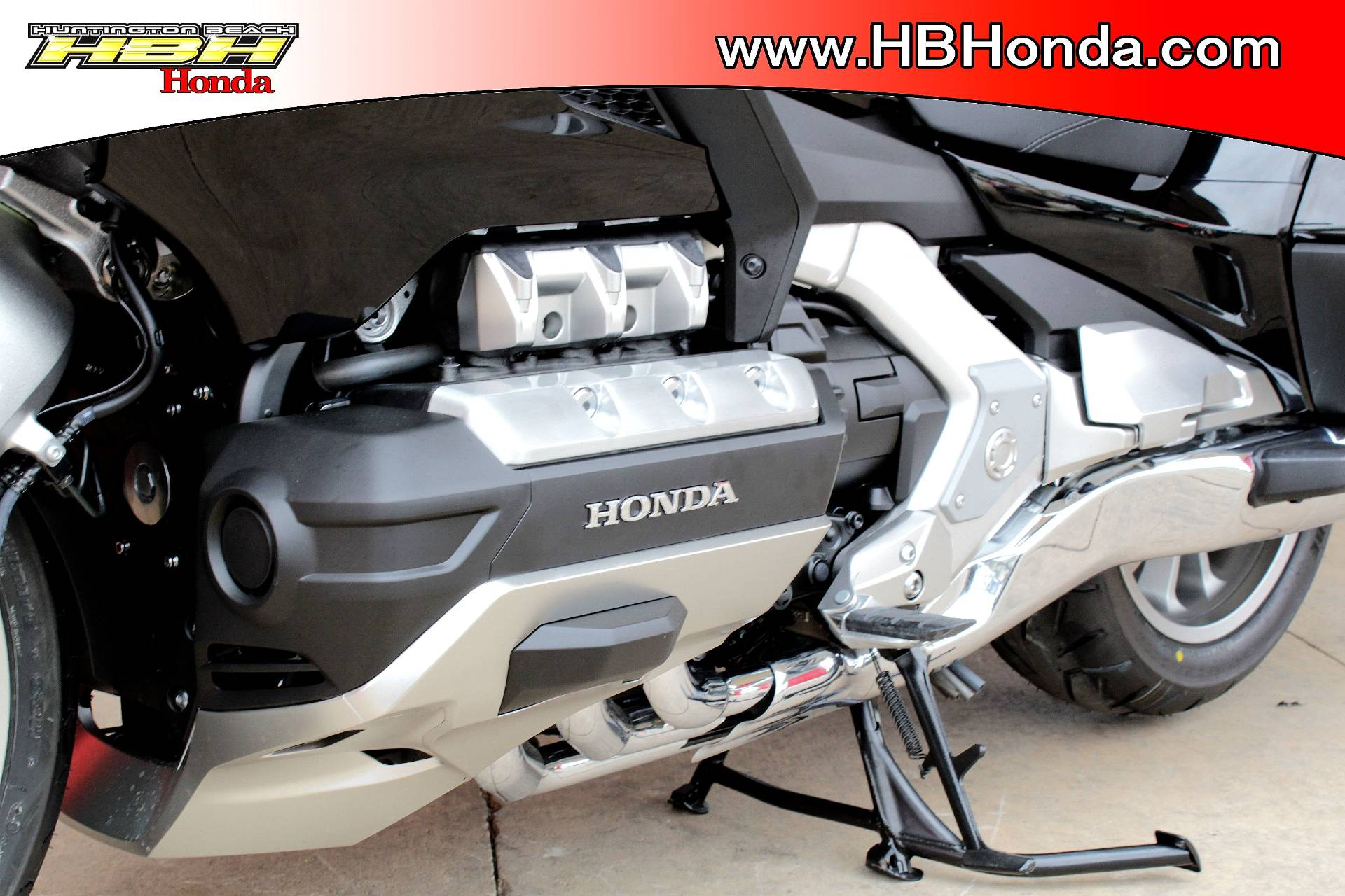 2019 Honda Gold Wing Tour Automatic DCT in Huntington Beach, California - Photo 10