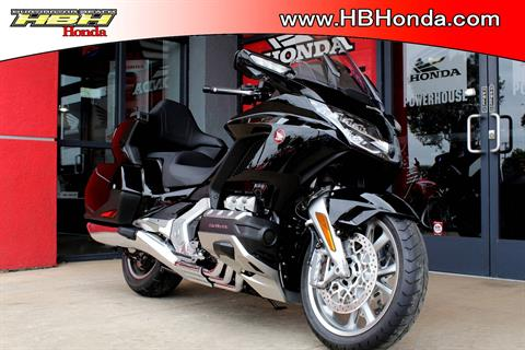 2019 Honda Gold Wing Tour Automatic DCT in Huntington Beach, California - Photo 2