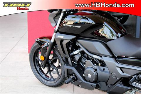 2018 Honda CTX700N DCT in Huntington Beach, California