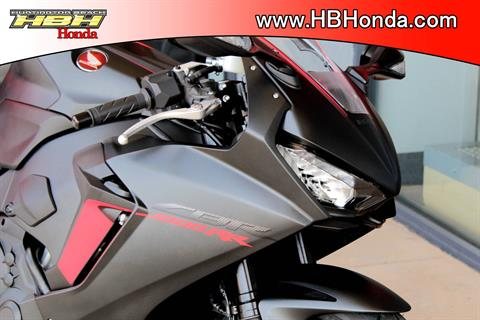 2017 Honda CBR1000RR in Huntington Beach, California - Photo 2