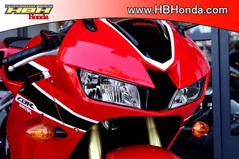 2018 Honda CBR600RR in Huntington Beach, California - Photo 7