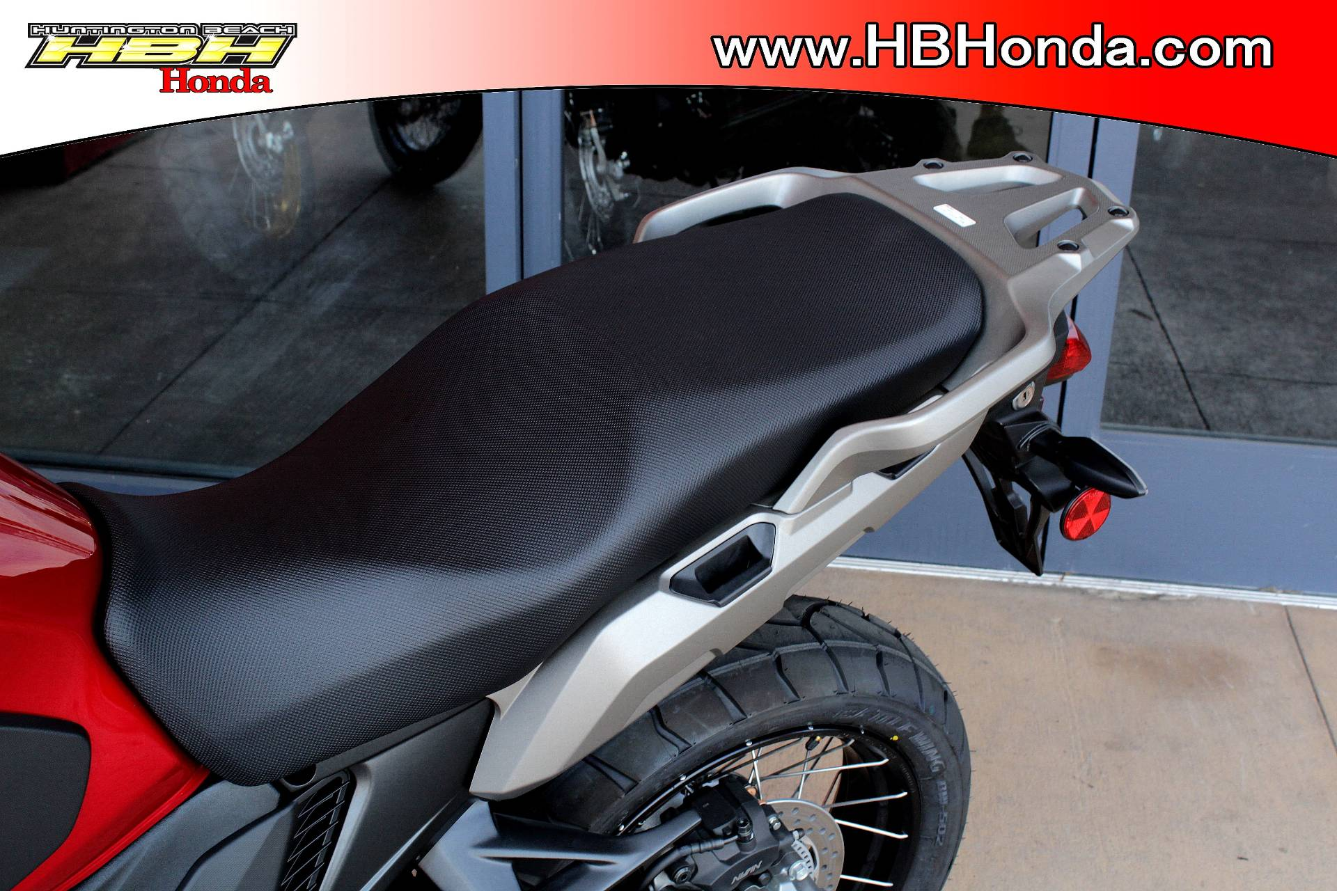 2017 Honda VFR1200X in Huntington Beach, California - Photo 4