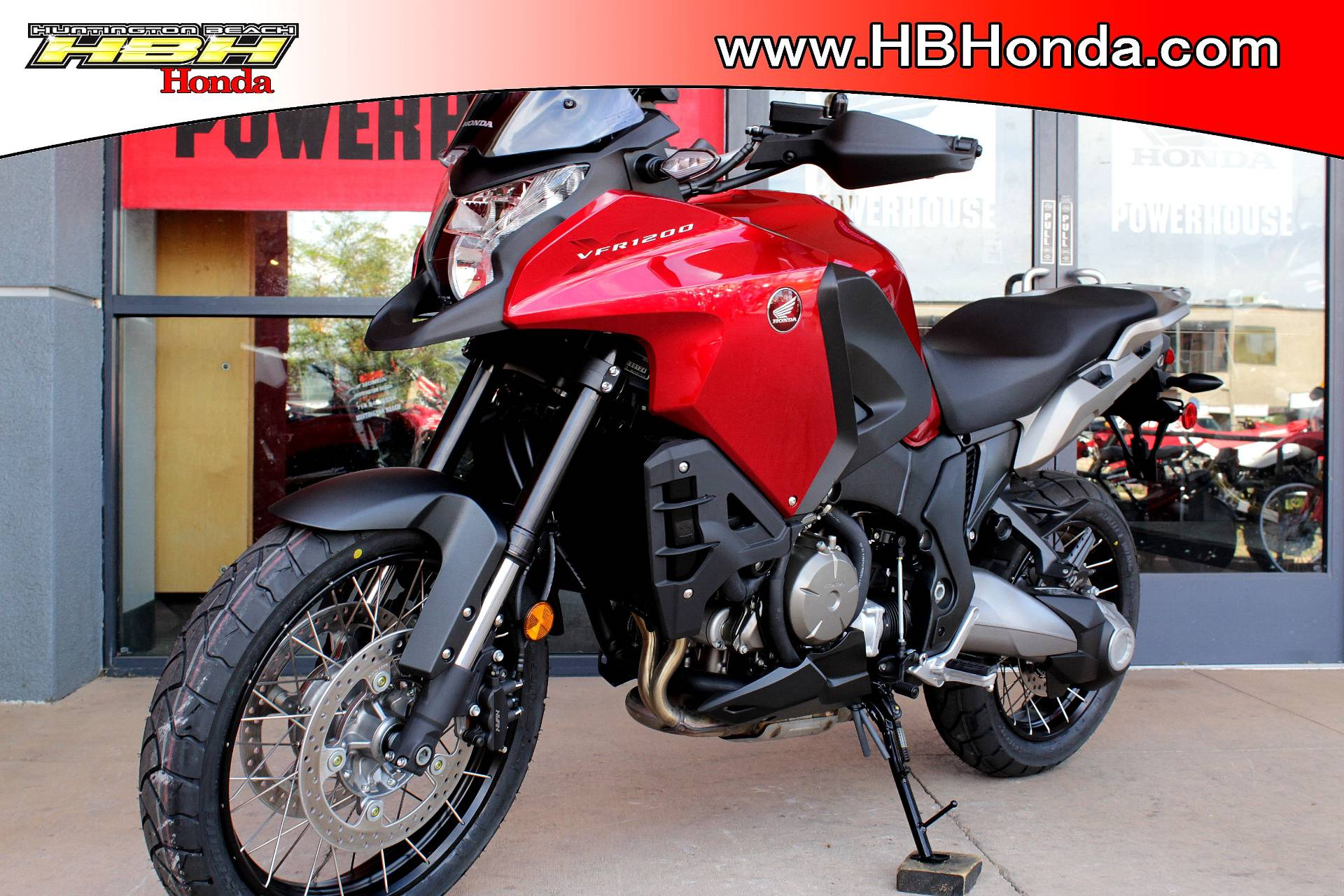 2017 Honda VFR1200X in Huntington Beach, California - Photo 6