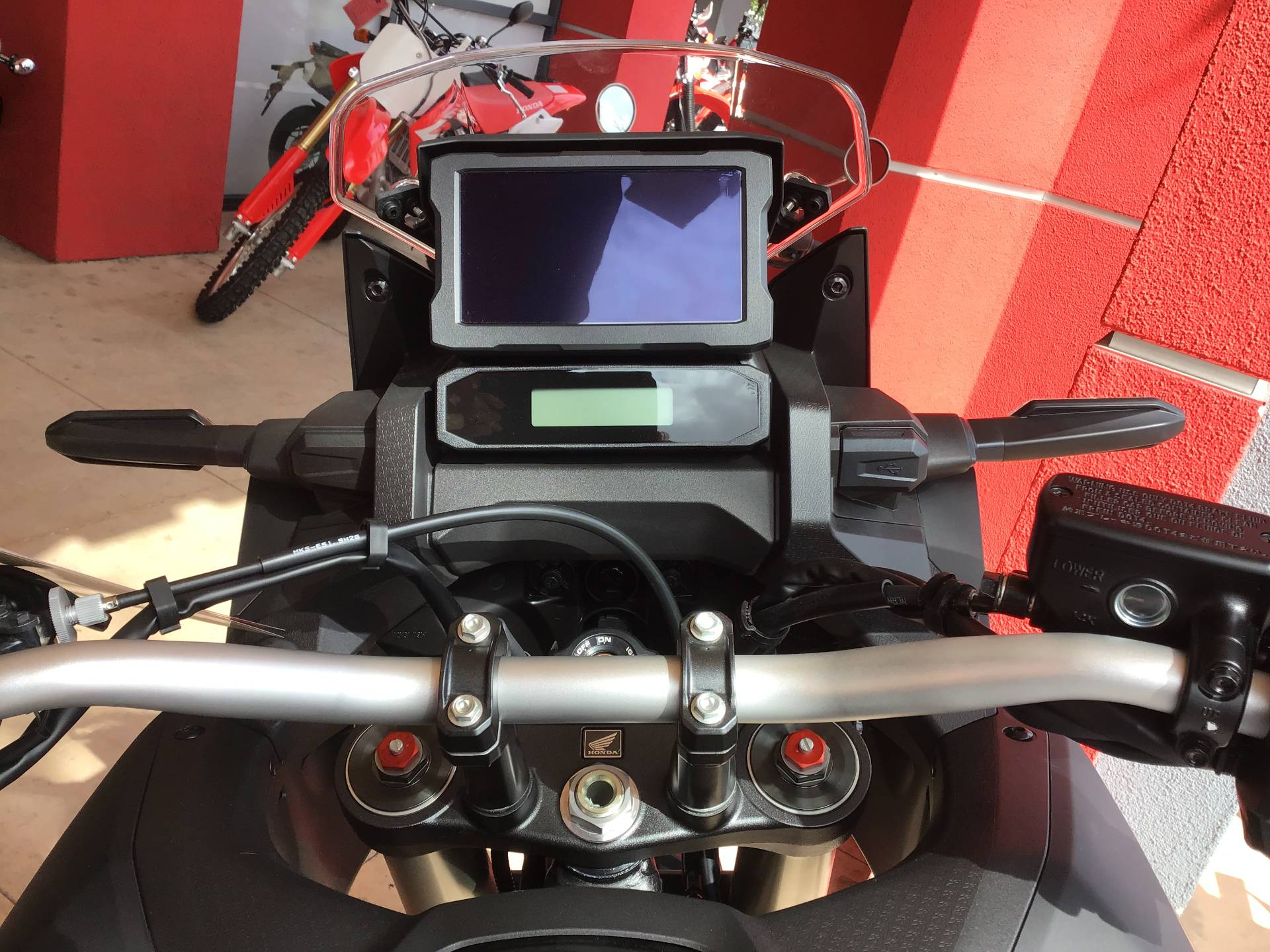 2020 Honda Africa Twin DCT in Huntington Beach, California - Photo 5