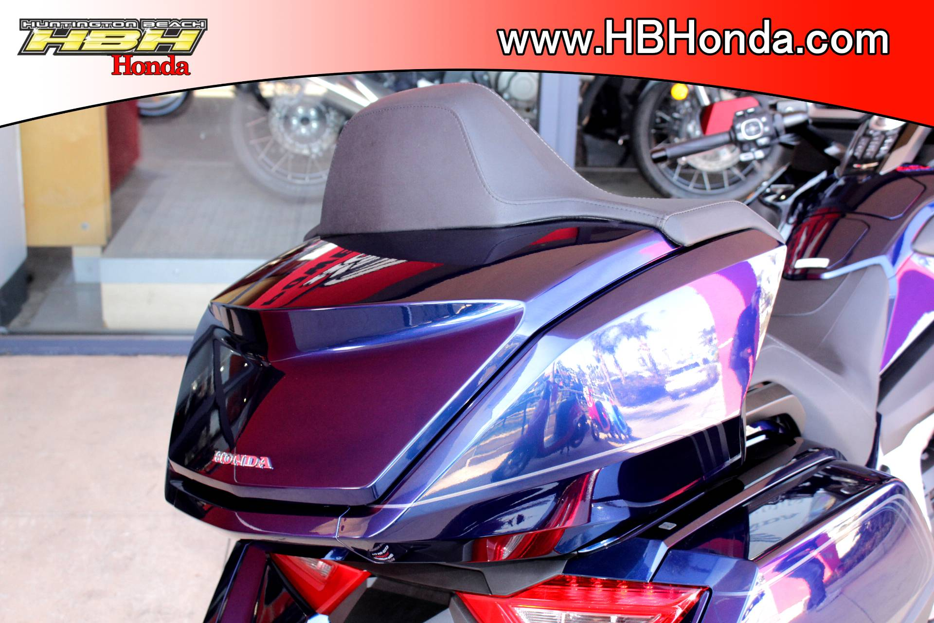 2018 Honda Gold Wing Tour in Huntington Beach, California - Photo 8
