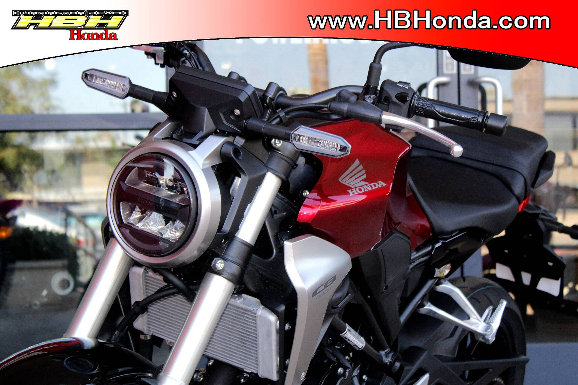 2019 Honda CB300R in Huntington Beach, California - Photo 5