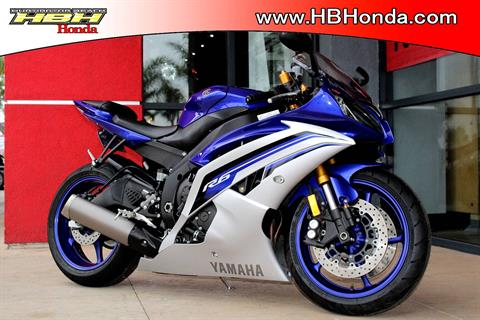 2016 Yamaha YZF-R6 in Huntington Beach, California