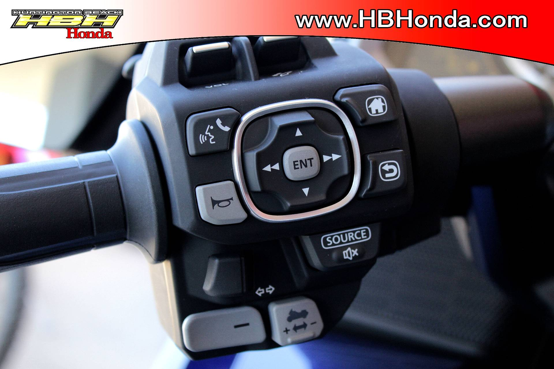 2019 Honda Gold Wing Tour Automatic DCT in Huntington Beach, California - Photo 12
