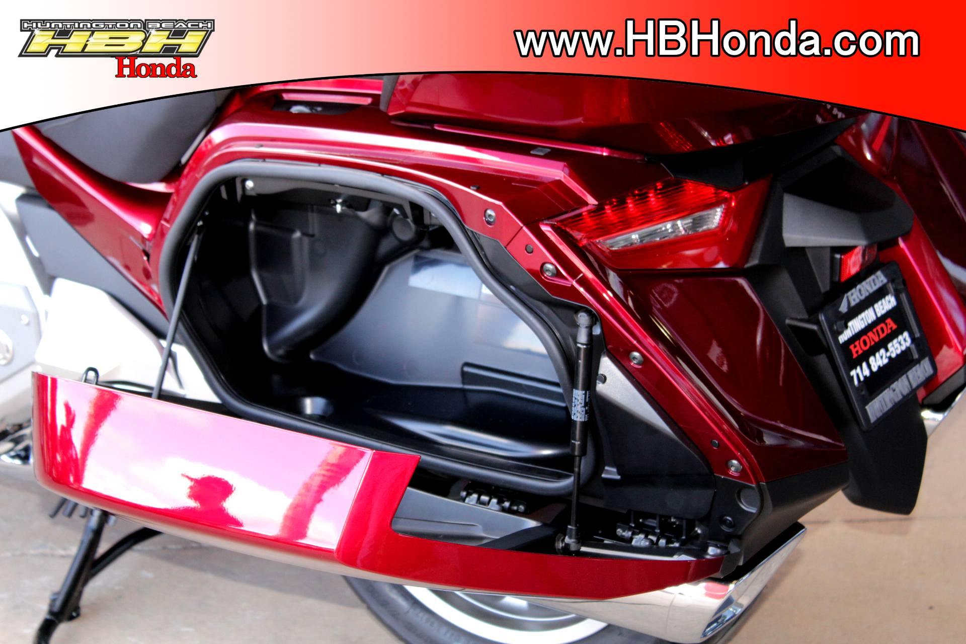 2018 Honda Gold Wing Tour in Huntington Beach, California - Photo 6