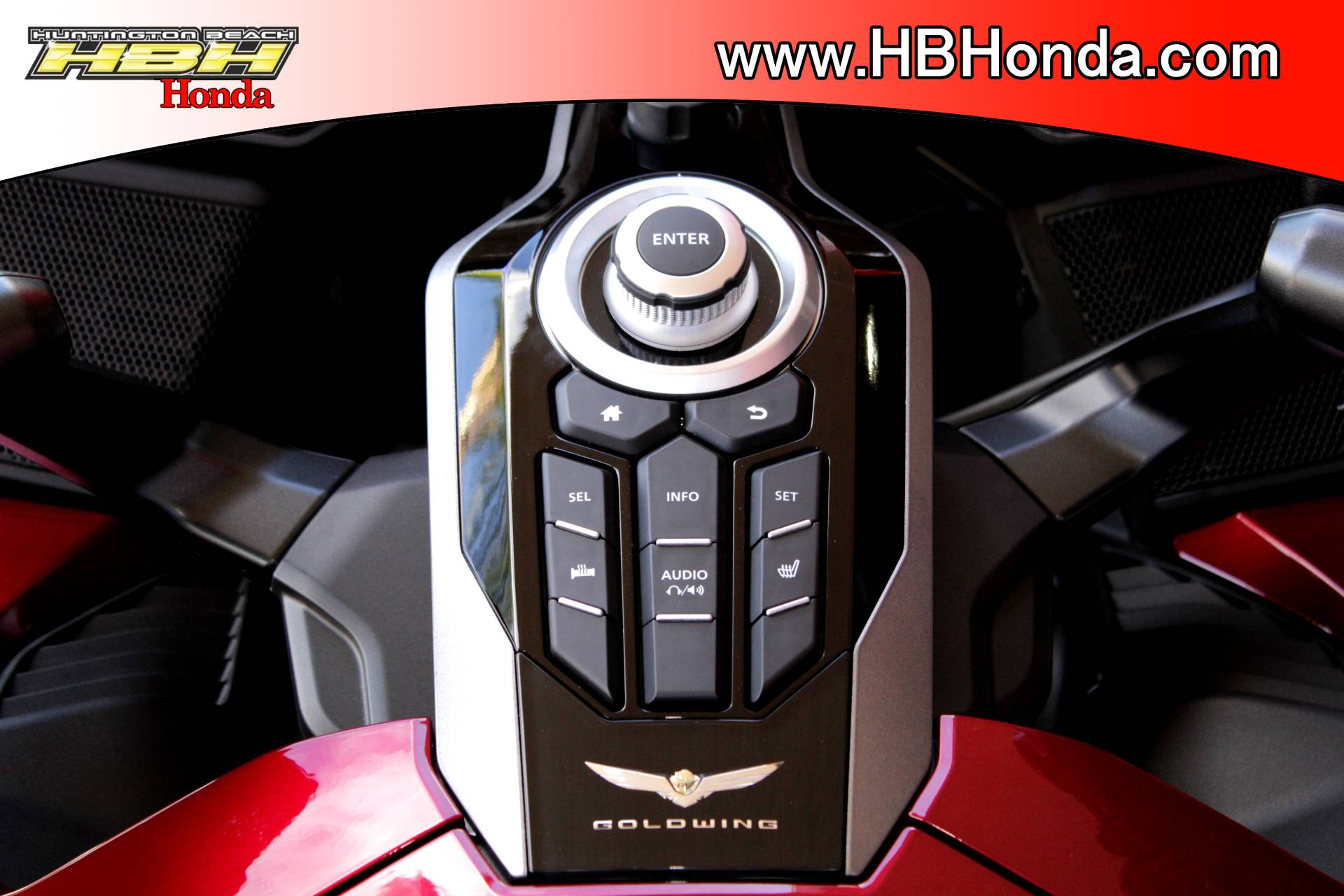 2018 Honda Gold Wing Tour in Huntington Beach, California - Photo 19