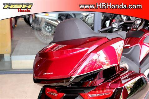 2020 Honda Gold Wing Tour Automatic DCT in Huntington Beach, California - Photo 14