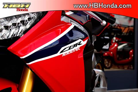 2017 Honda CBR1000RR SP in Huntington Beach, California