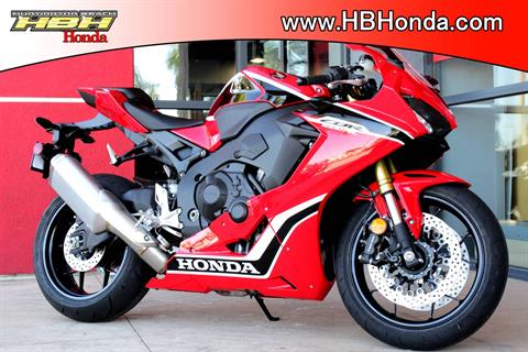 2018 Honda CBR1000RR in Huntington Beach, California - Photo 3