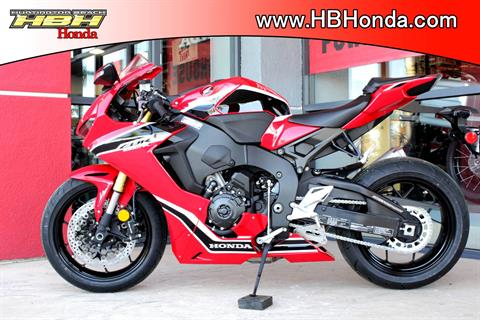 2018 Honda CBR1000RR in Huntington Beach, California - Photo 11