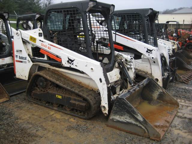 2015 Bobcat T450 in Johnson City, Tennessee