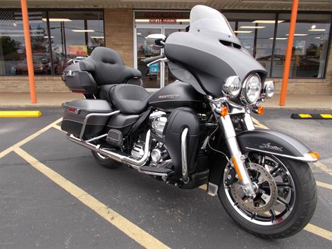 2017 Harley-Davidson Ultra Limited in Wintersville, Ohio - Photo 2
