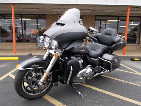 2017 Harley-Davidson Ultra Limited in Wintersville, Ohio - Photo 3