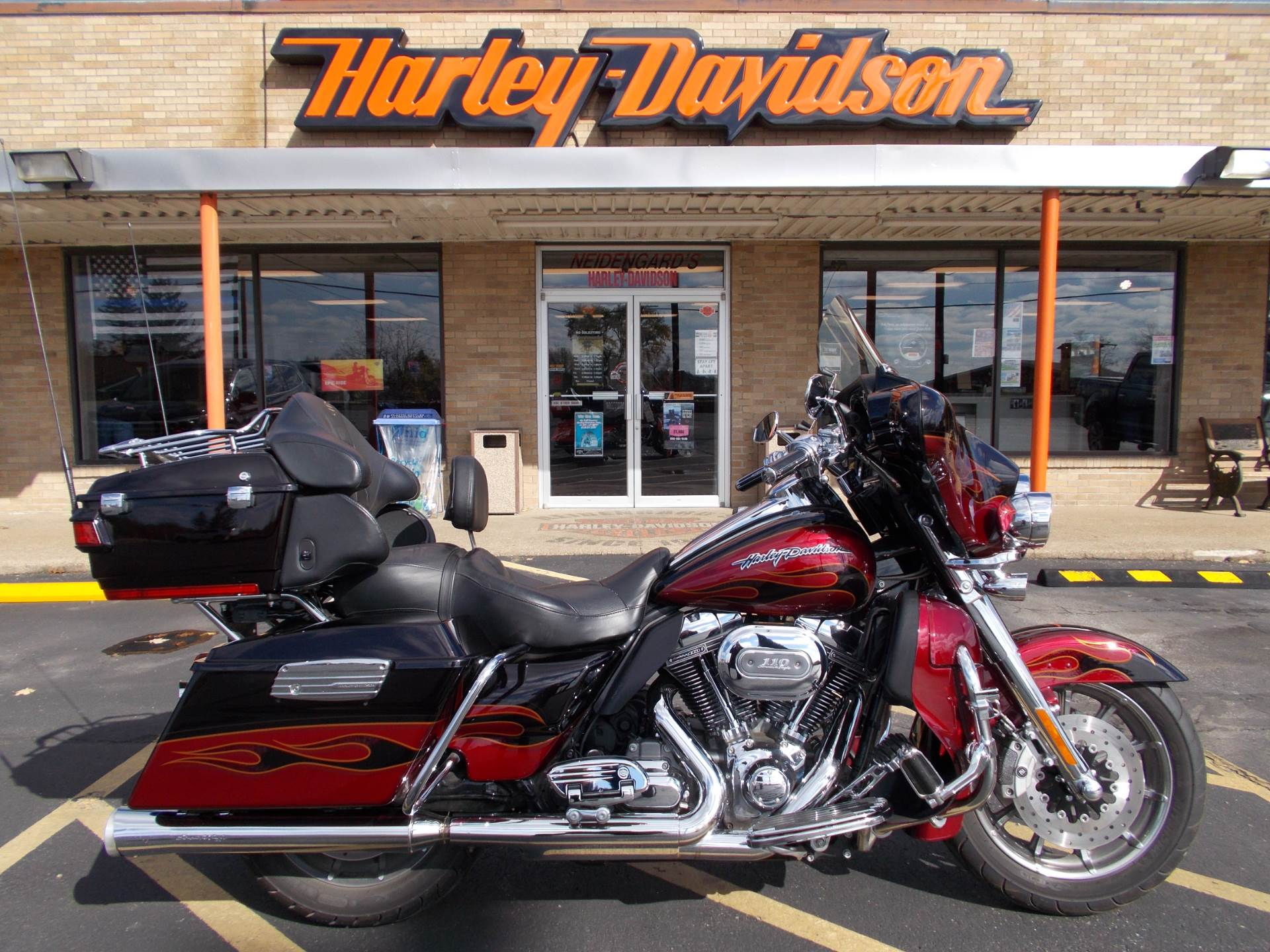 2011 Harley-Davidson CVO™ Ultra Classic® Electra Glide® in Wintersville, Ohio - Photo 1
