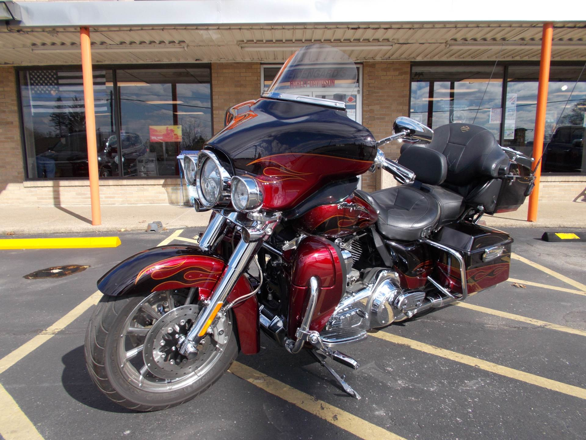 2011 Harley-Davidson CVO™ Ultra Classic® Electra Glide® in Wintersville, Ohio - Photo 3