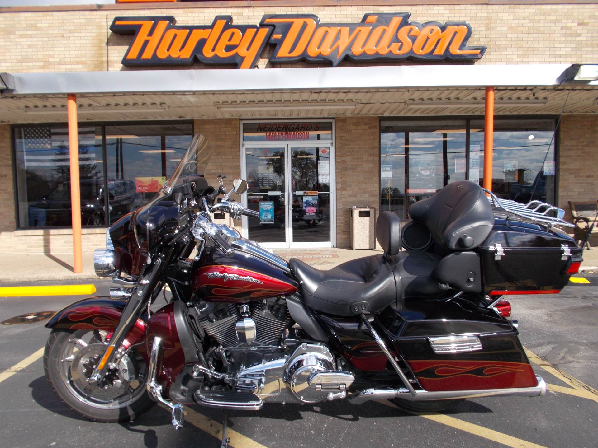 2011 Harley-Davidson CVO™ Ultra Classic® Electra Glide® in Wintersville, Ohio - Photo 4
