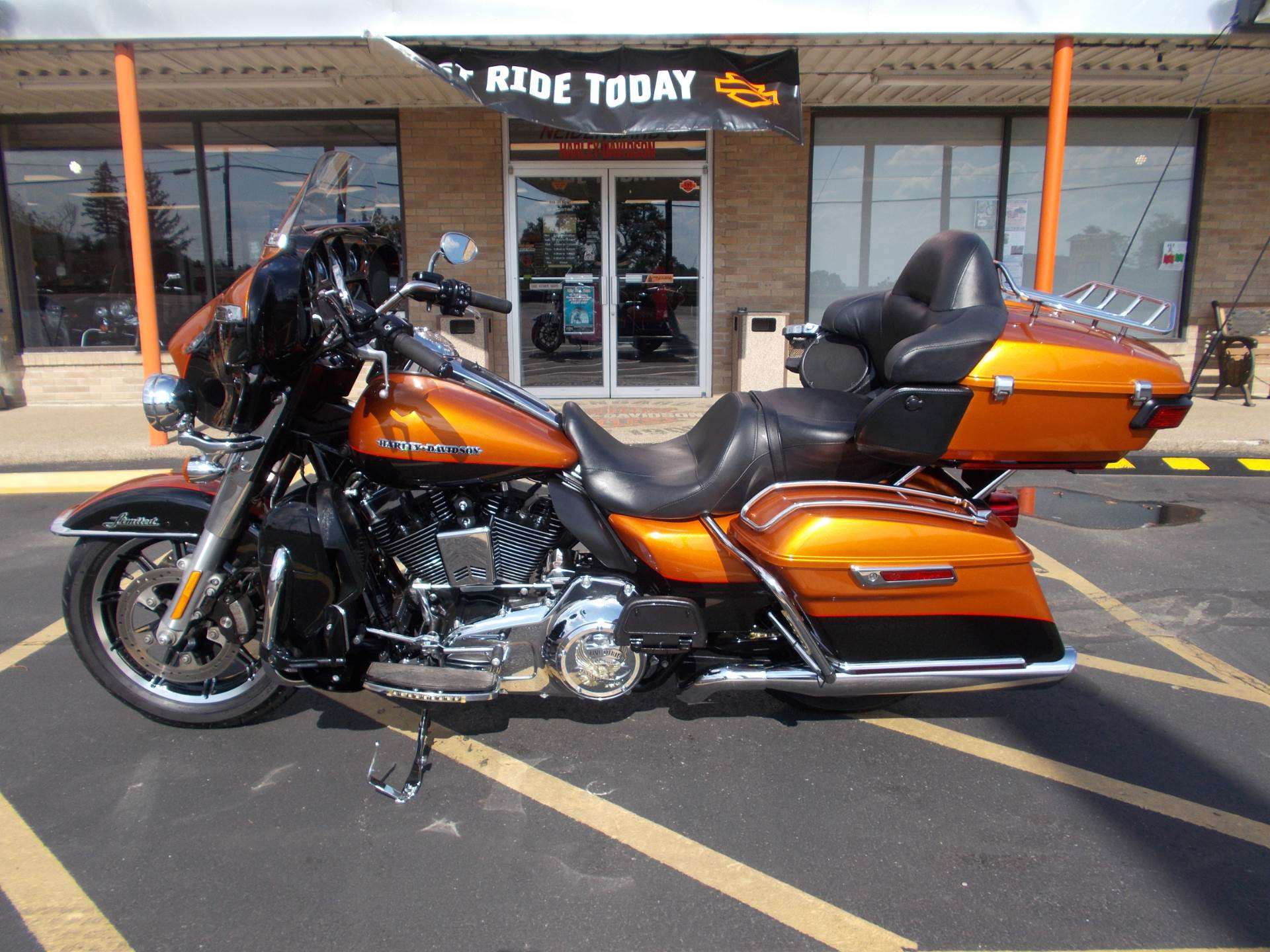 2016 Harley-Davidson Limited Low in Wintersville, Ohio - Photo 4