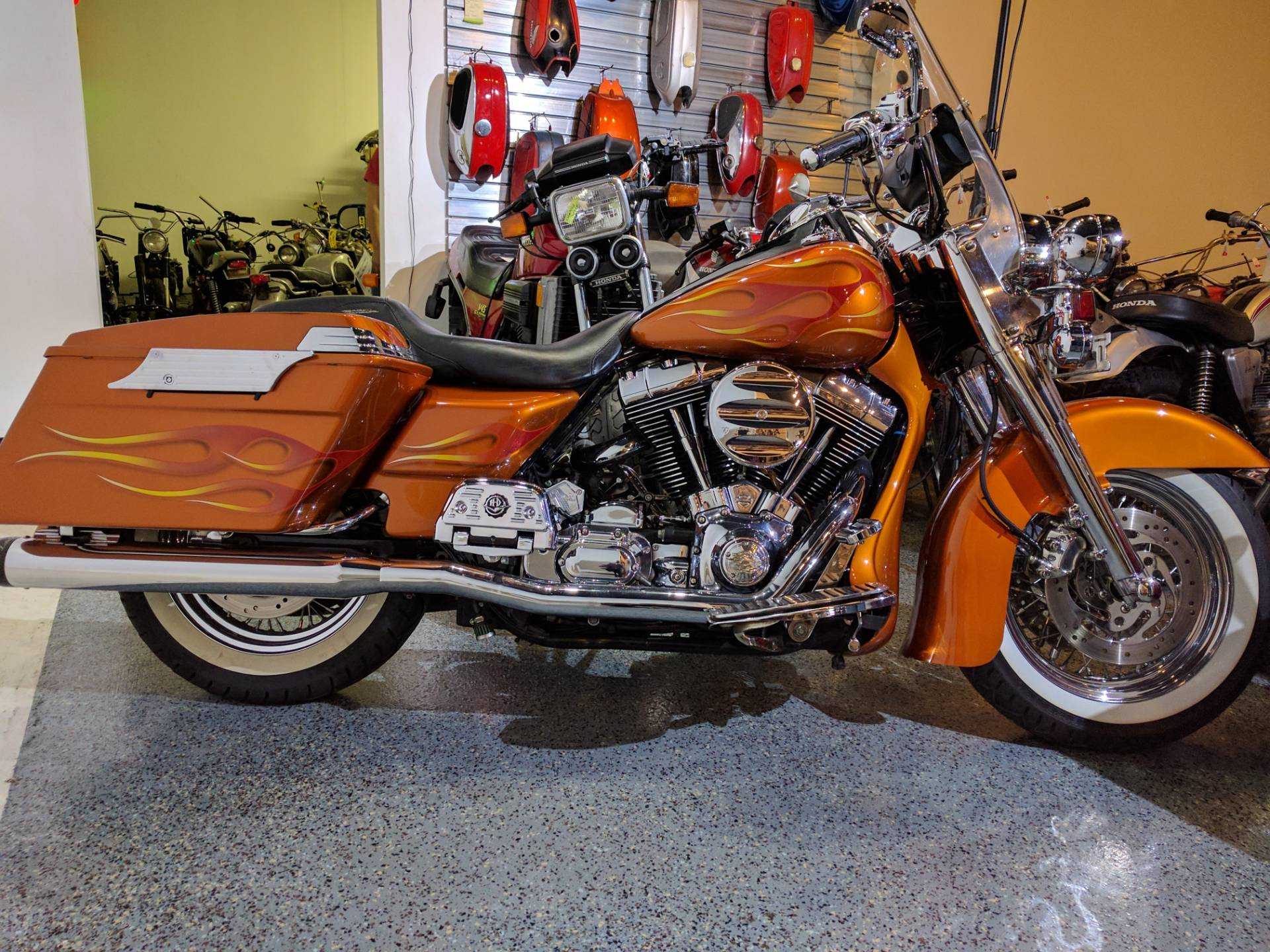 2000 Harley-Davidson FLHRCI Road King® Classic in Canton, Ohio - Photo 9