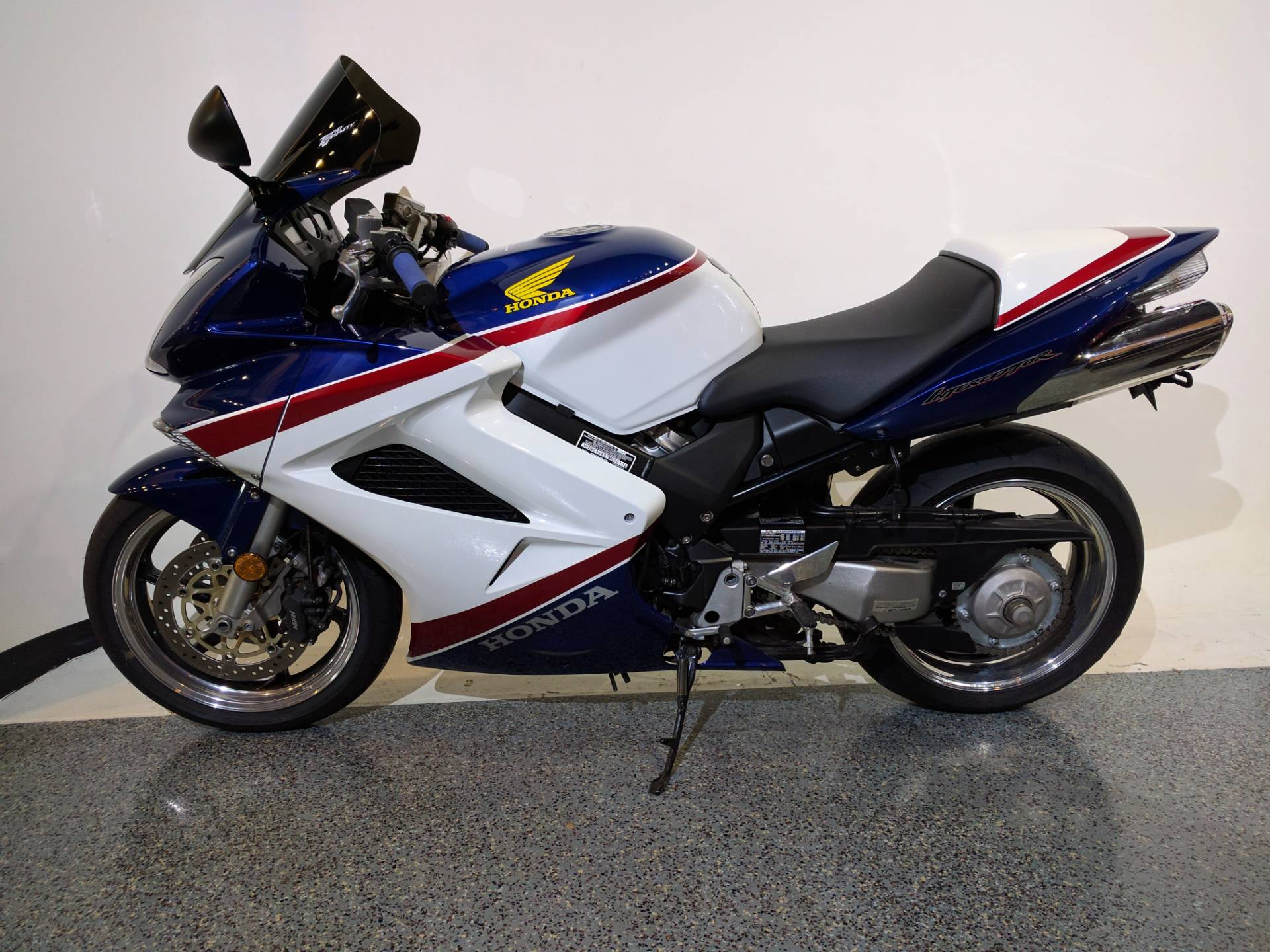 2007 Honda Interceptor® (VFR800FI) in Canton, Ohio - Photo 5