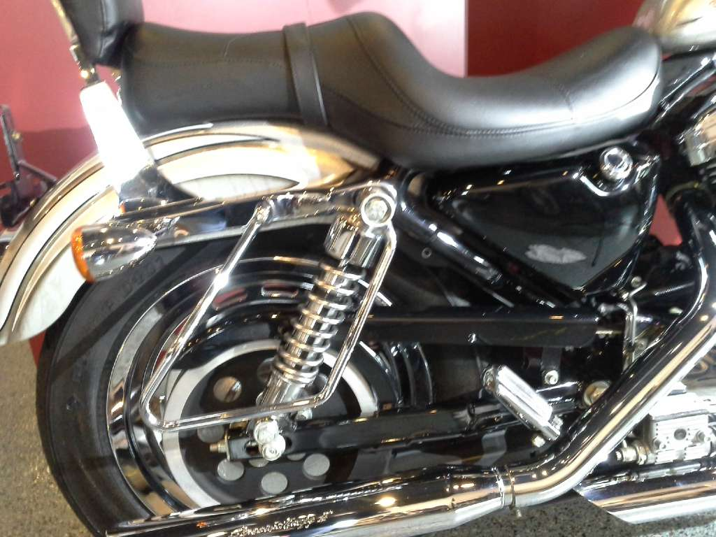 2003 Harley-Davidson XL 1200C Sportster® 1200 Custom in Canton, Ohio - Photo 7