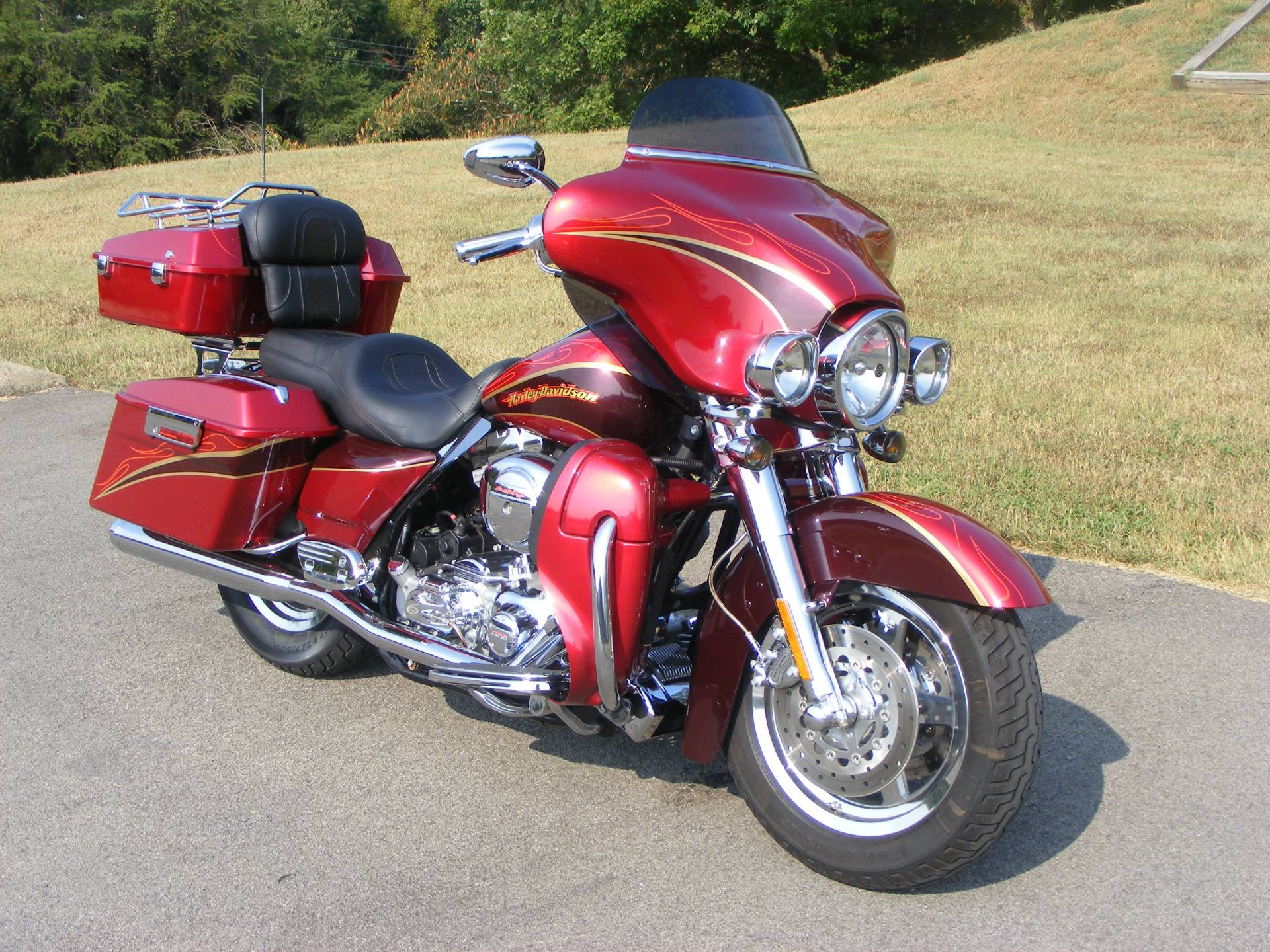 2005 Harley-Davidson Screamin Eagle Electra Glide in Morristown, Tennessee - Photo 2