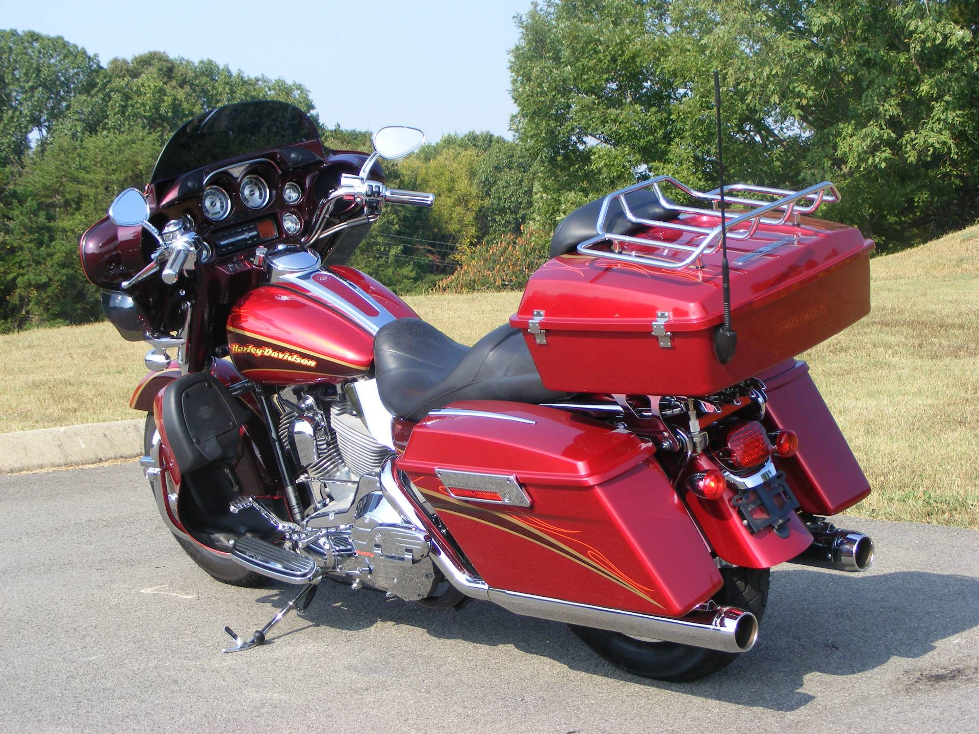 2005 Harley-Davidson Screamin Eagle Electra Glide in Morristown, Tennessee - Photo 8