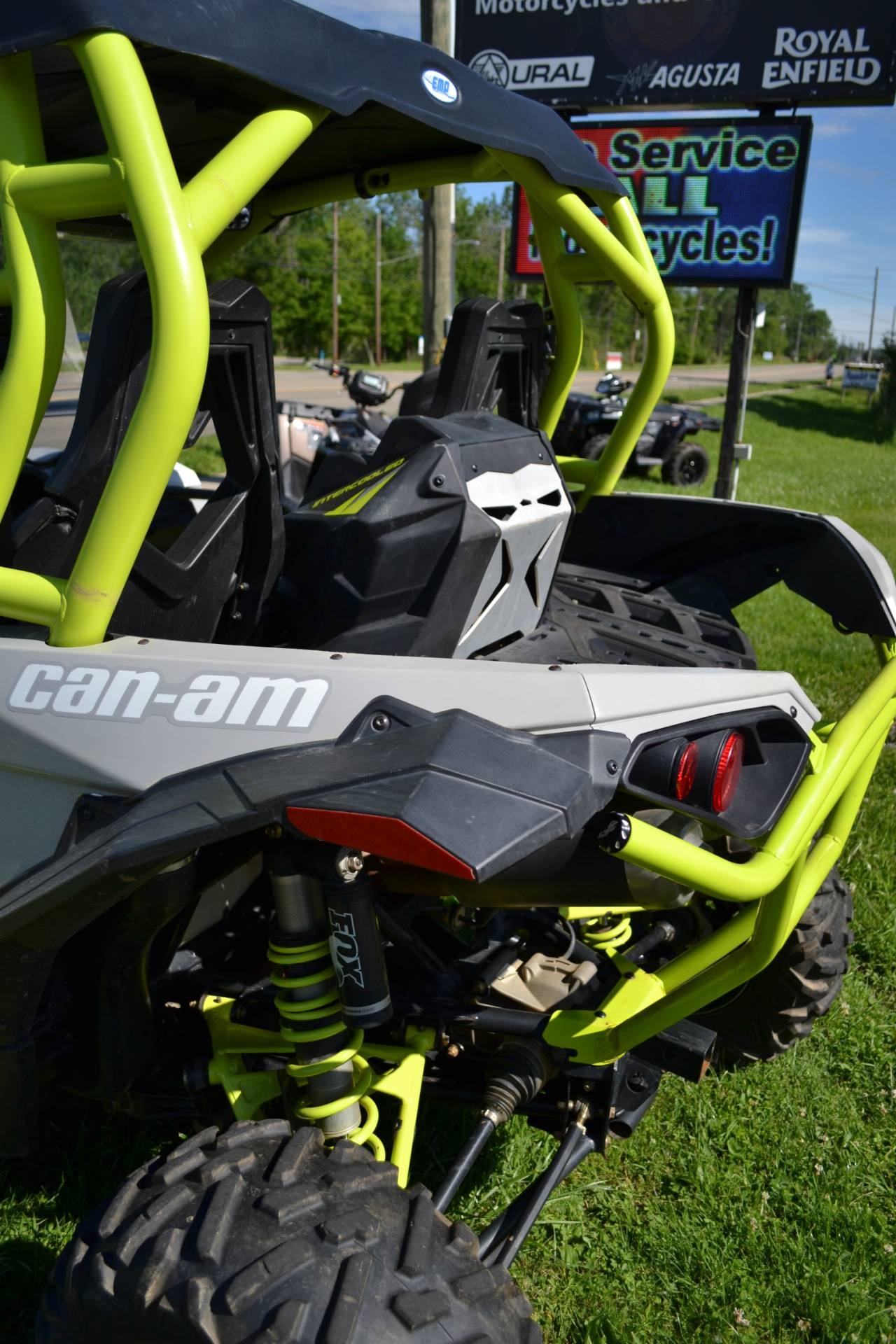 2015 Can-Am Maverick™ X® ds 1000R Turbo in Depew, New York - Photo 6
