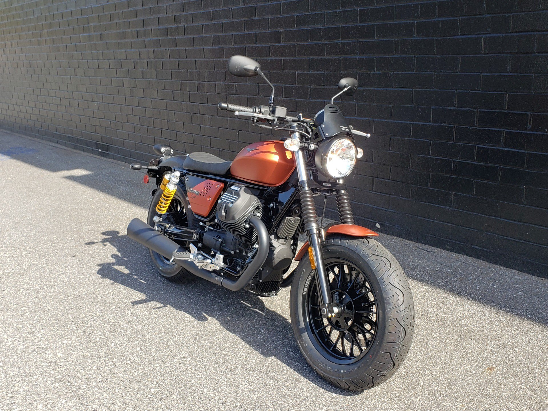 2019 Moto Guzzi V9 Bobber Sport in San Jose, California - Photo 2