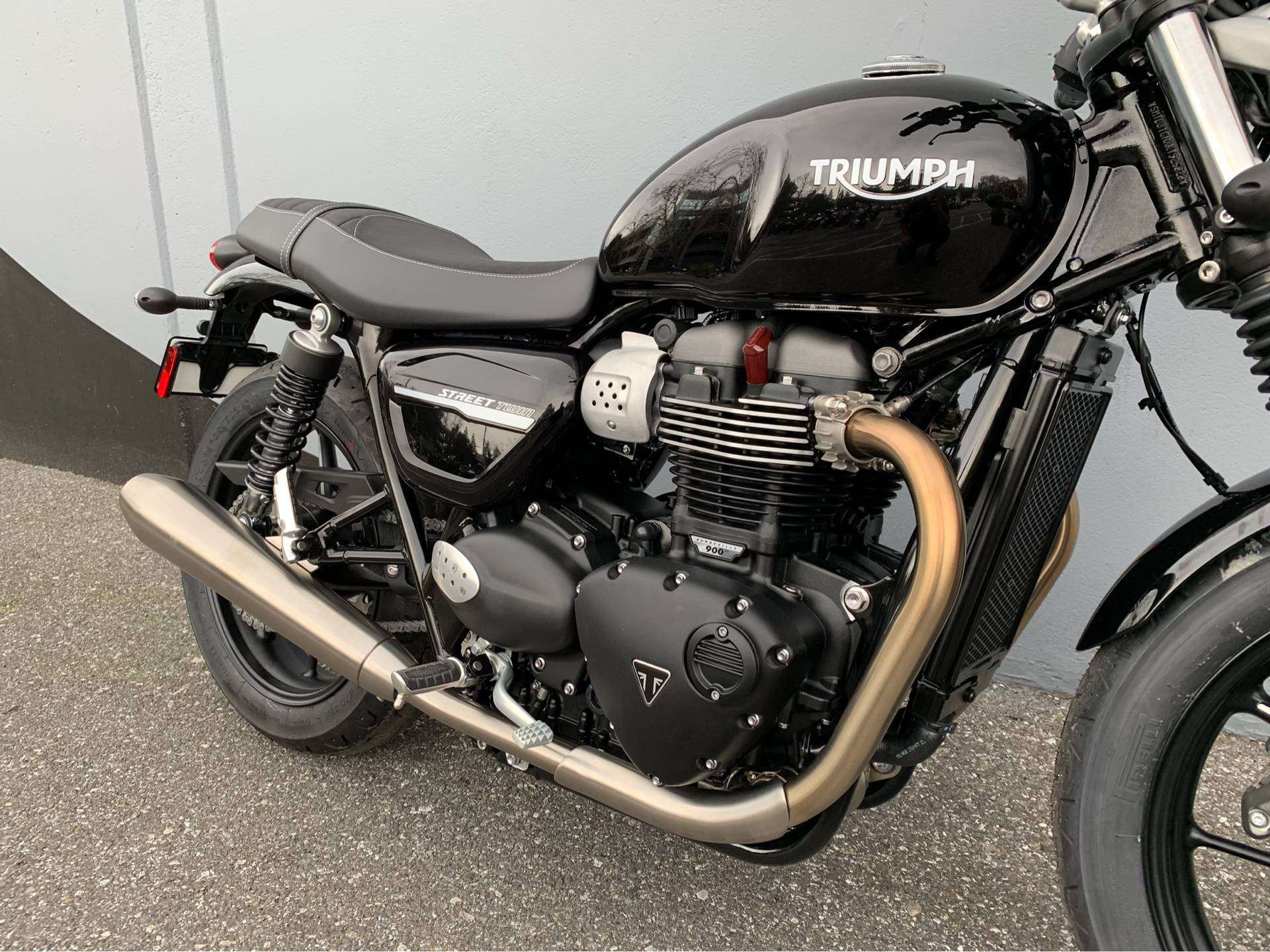 2019 Triumph Street Twin 900 in San Jose, California - Photo 8