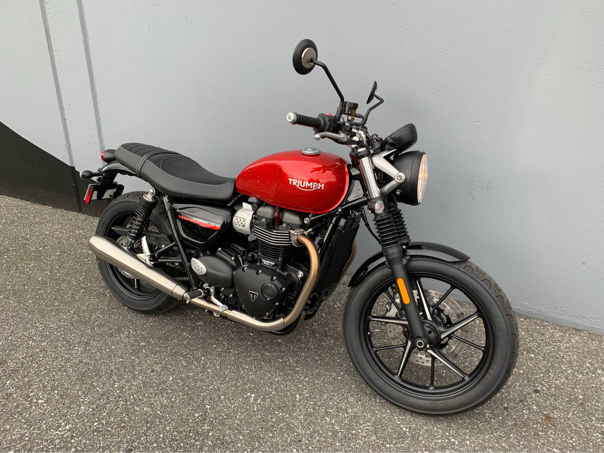 2019 Triumph Street Twin 900 in San Jose, California - Photo 7