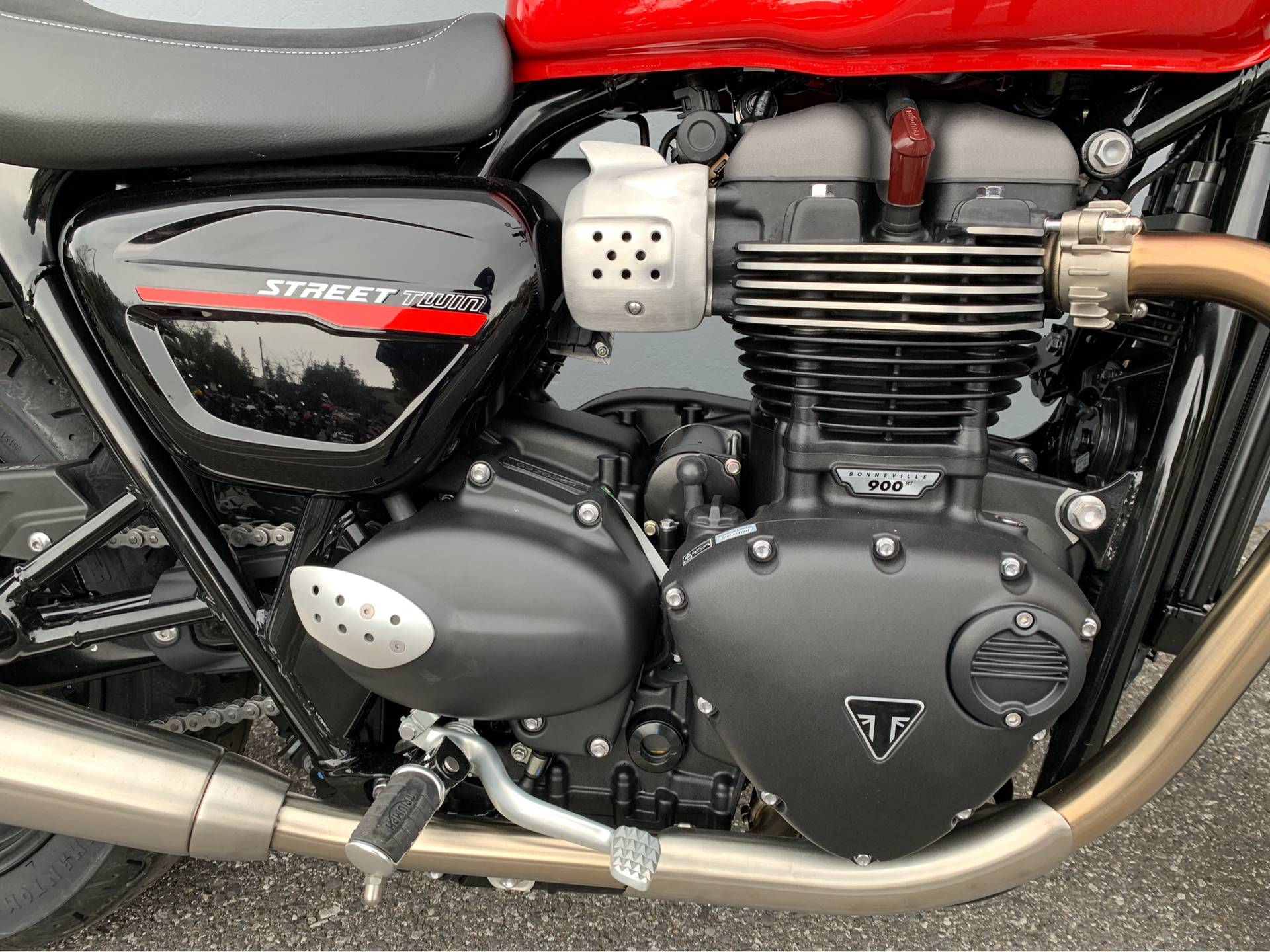 2019 Triumph Street Twin 900 in San Jose, California - Photo 6
