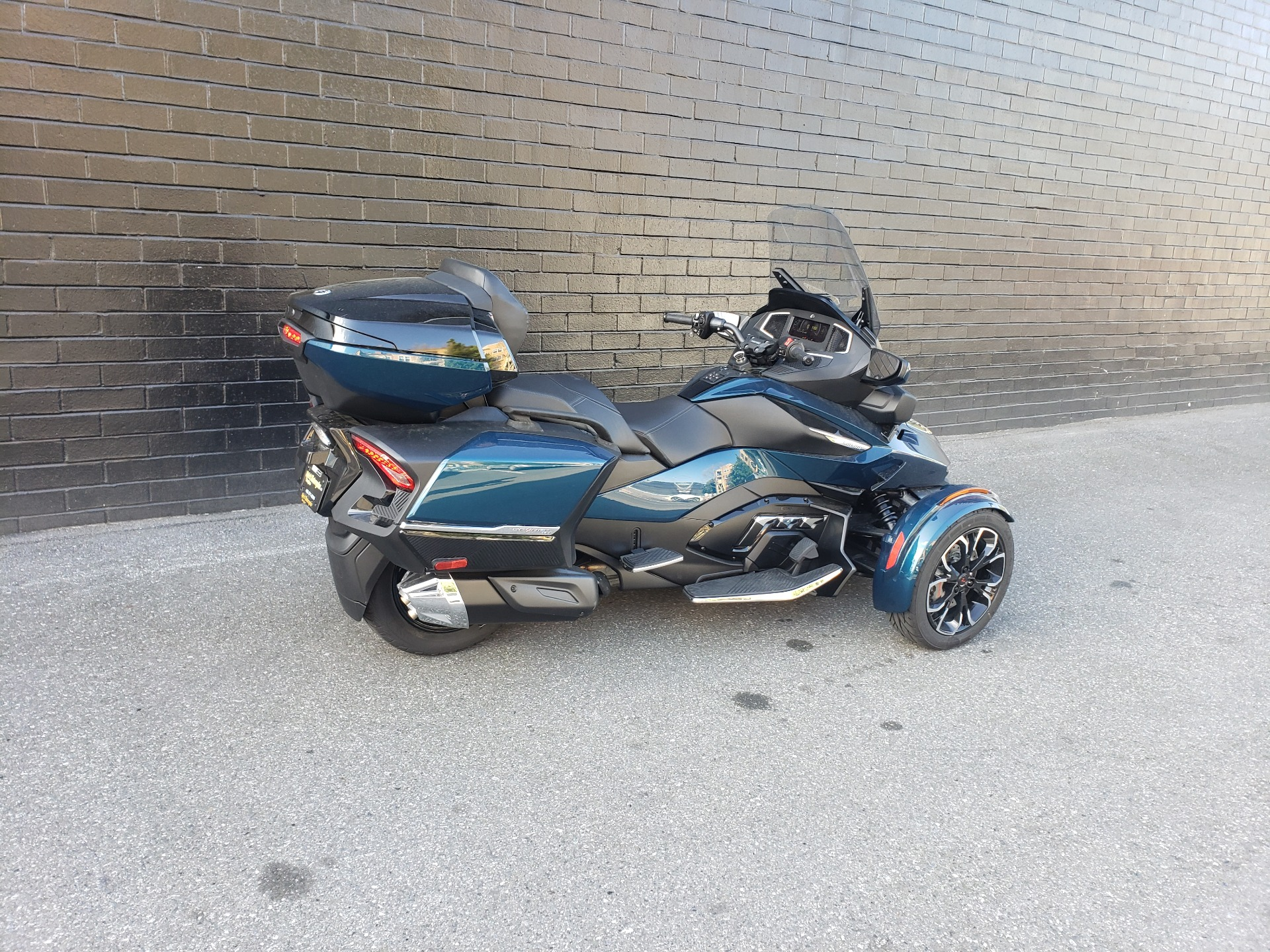 2021 Can-Am Spyder RT Limited in San Jose, California - Photo 5
